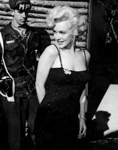 marilyn-uso-1954