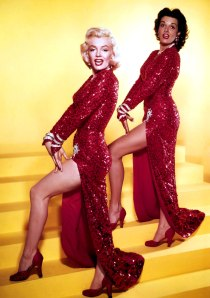 Marilyn-Monroe-with-Jane-Russell